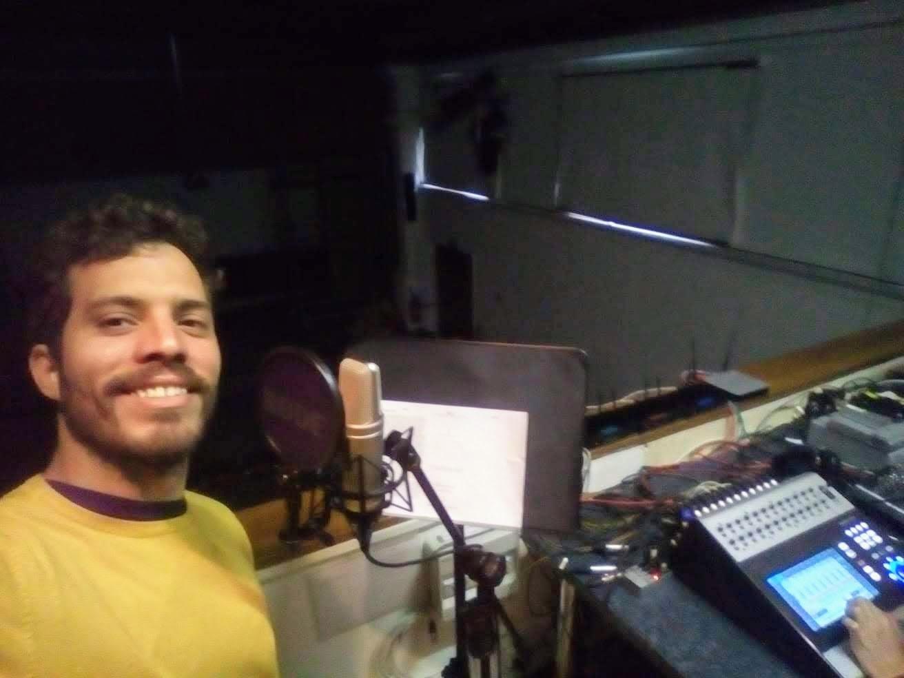 Arnaldo Galban v nahrávacím studiu