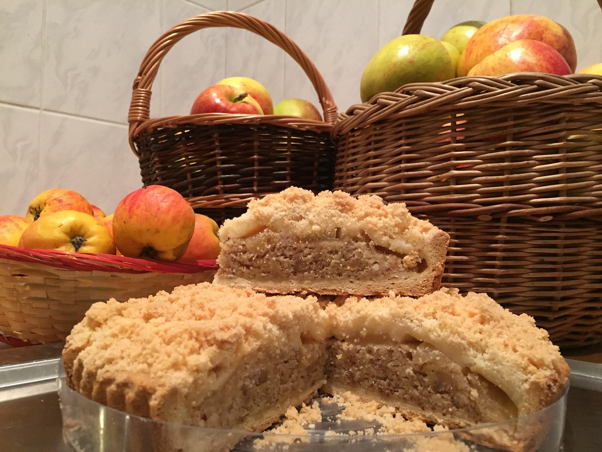 Hruškový koláč na mandlovém krému s kešu